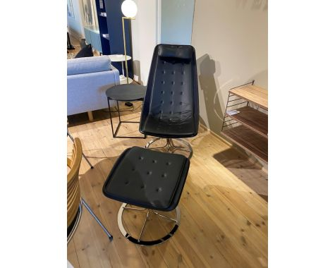 Demo: Bruno Mathsson - Jetson 66 lænestol med skammel - sort læder