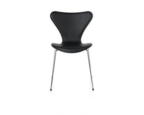 Fritz Hansen 7'er stol forsidepolstret med sort læder
