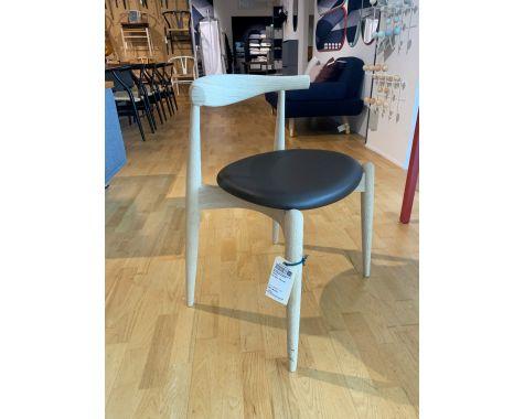 Demo: Carl Hansen- CH20 Elbow Chair - Eg sæbe - 4 stk.