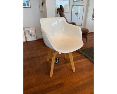 DEMO: Flow armchair