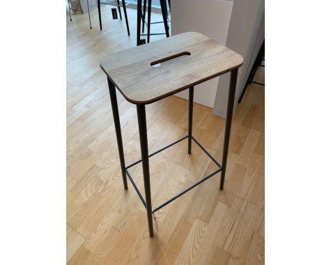 DEMO: Frama - Adam - barstol/skammel