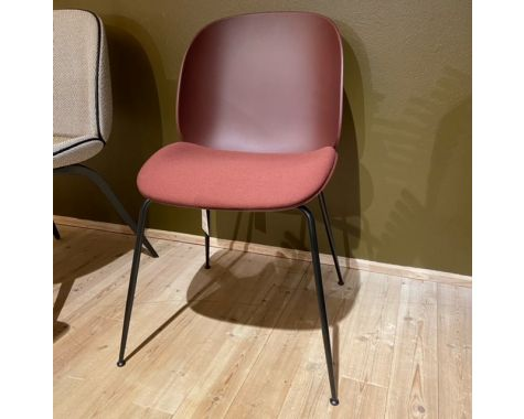 DEMO: Gubi - Beetle Dining Chair - Dark Pink