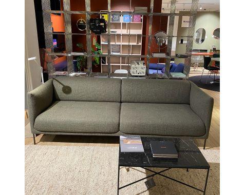 DEMO: EJ 490-2L Konami sofa