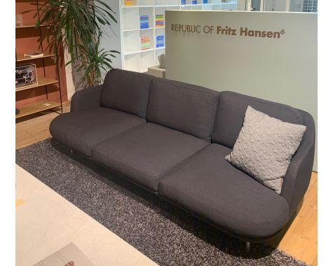 DEMO: Fritz Hansen - Lune JH 300 - 3-pers sofa - blågrå
