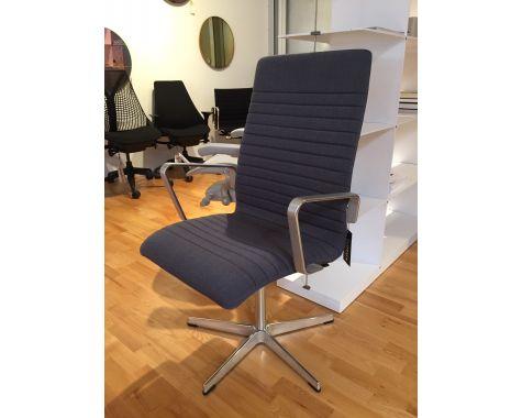 DEMO: FRITZ HANSEN - AJ3273P Oxford - stol