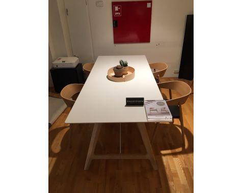 DEMO: Andersen Furniture - T7 Spisebord